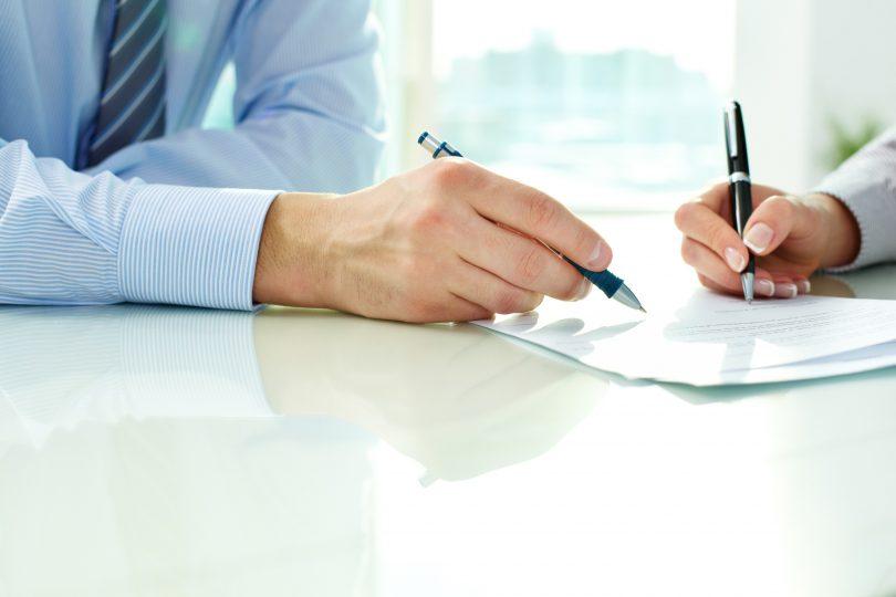 Avocat en droit des contrats